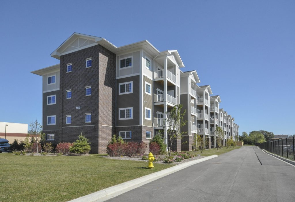 thomas-place-senior-apartments-glendale-heights-square